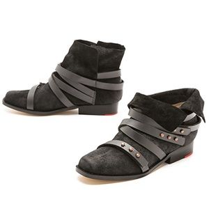 Black Distressed Buckle Wrap Straps Boots